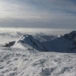 Febbraio 2016 - La foto è stata scattata da Dario Adami il 22 febbraio: mentre uno strato di nebbia si è formato sulla pianura Padana, dal Baldo si possono vedere cirri, cirrostrati e altostrati, causati da un fronte caldo. E infatti quel giorno la temperatura è rimasta sempre al di sopra degli zero gradi ai 1850 metri dell'Osservatorio meteorologico Rifugio Fiori del Baldo.