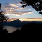 Agosto 2017 - Giochi di luce al tramonto nella foto del mese di agosto, scattata da Gabriele Lazzarini da San Zeno di Montagna verso ovest.